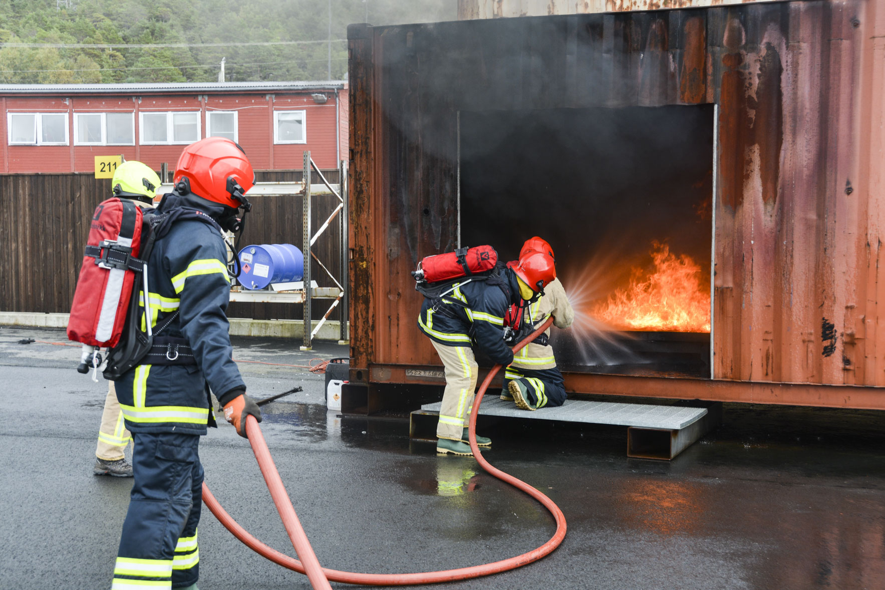 STCW A-VI/2-1 - VI/3 - VI/4-1- Proficiency in survival craft, advanced firefighting and first aid - Combination course for ships officers -  Refresher